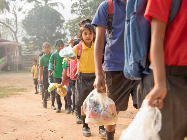 Make Every School A Plastic Recycling Center