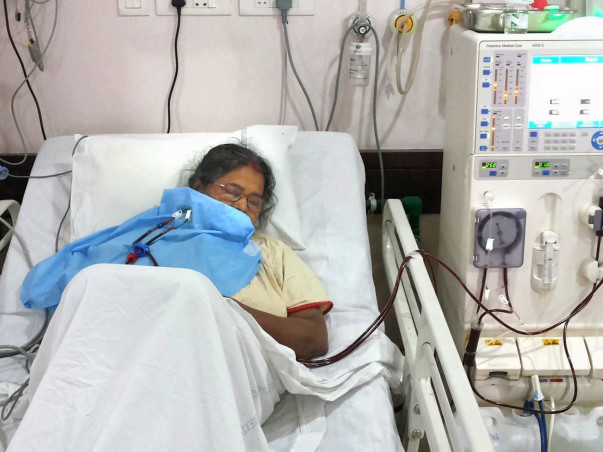 Save my Mother, she is suffering from Both Kidney Failure