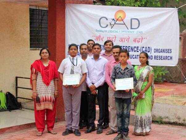 IITK Alumni provide scholarship to talented students from lower income