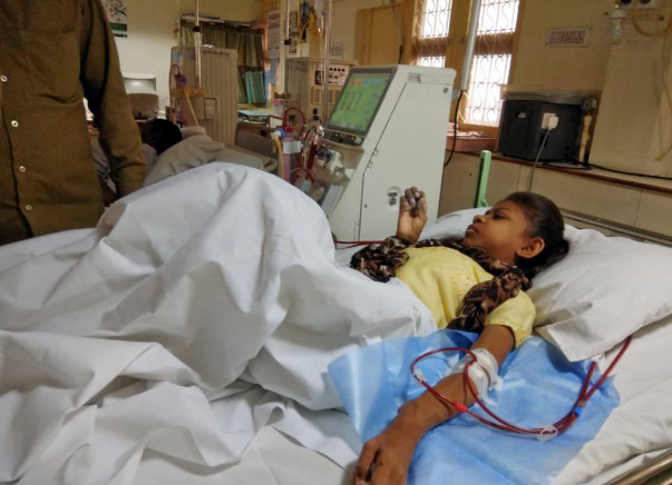 Help 17-Year-Old Seleena For Her Treatment