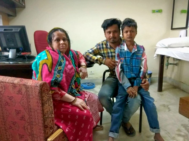 After Their Father's Abandonment, Brother Struggles To Save Fardin