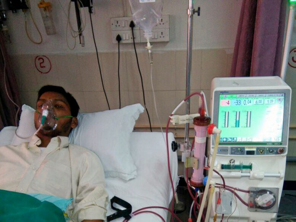 Help Gupteshwar for his Dialysis and treatement due to kidney failure