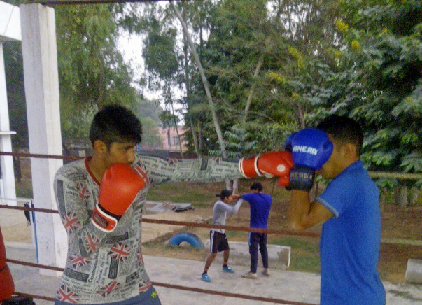 Help This Fruit Seller's Son Buy His Own Boxing Kit