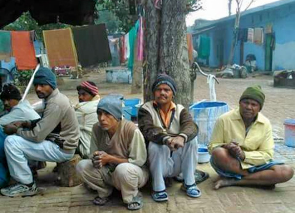 Help lepers in old Meerut Road, Hapur district of UP