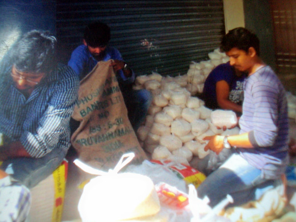 Help us give food & sanitation kit to daily wage workers in corona