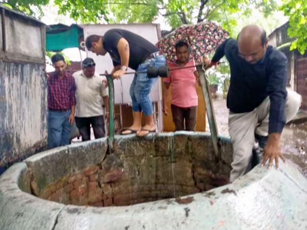 नर्मदांचल जल अभियान-जल संचय हेतु तालाब,कुओं को गहरा कर व्यवस्थित करना.