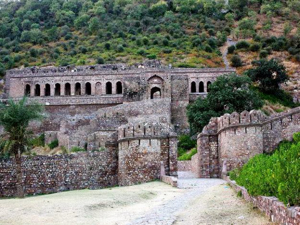 Documentary on India's most Haunted place Bhangarh Fort