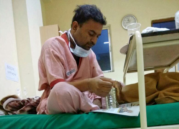 Poor Gulaab suffering from blood cancer (AML) needs help.