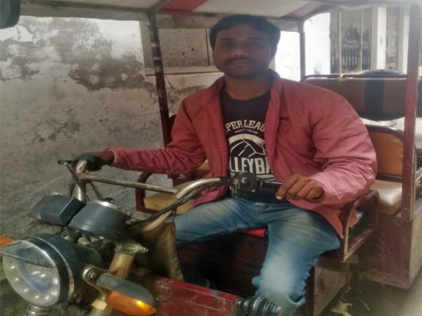 Support A Specially Abled E-Rickshaw Driver To Become Self-Reliant