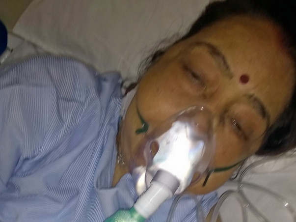 Help ..Save my mother..She is a transplant patient😢😢😢
