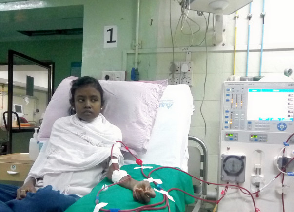 HELP  GIRL AGED 17 YEARS UNDER DIALYSIS