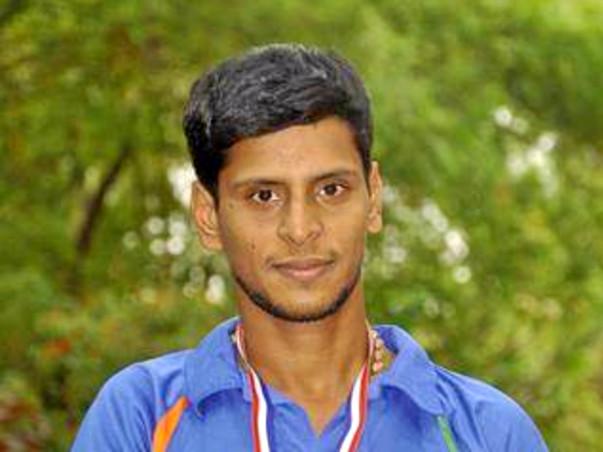 Support Para Badminton player
