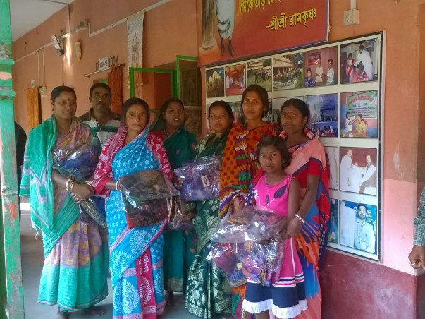 Spread a Smile on their face this Puja