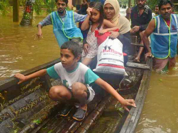 Share your helping hands to Kerala Flood Victims