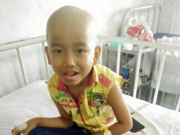 Father Is Begging On The Streets To Save His 6-year-old From Cancer