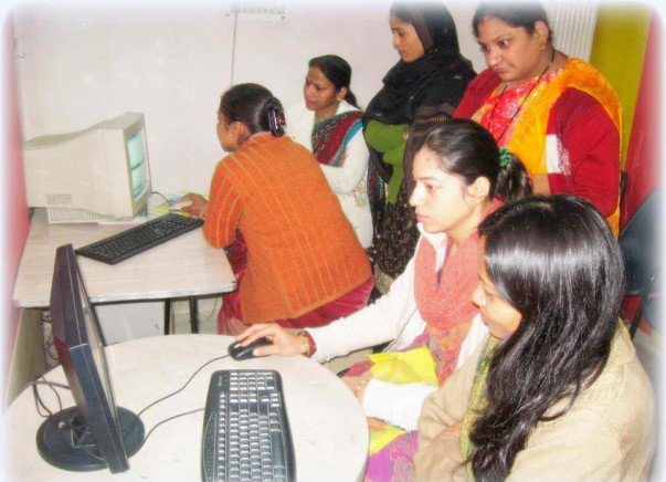 Support The Rise of of Women : Make them Digital Literate