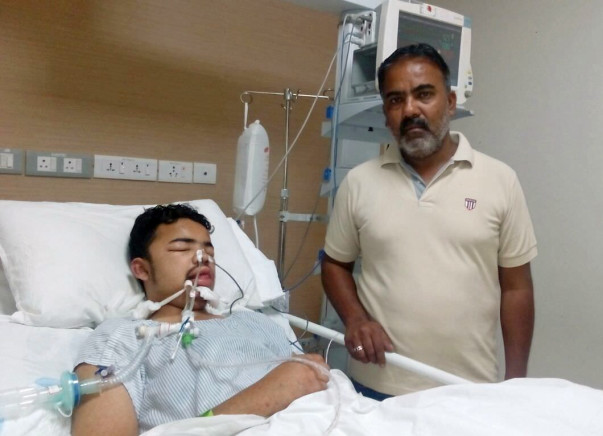 This Auto-driver Sold His Auto To Save His Son From Brain Fever