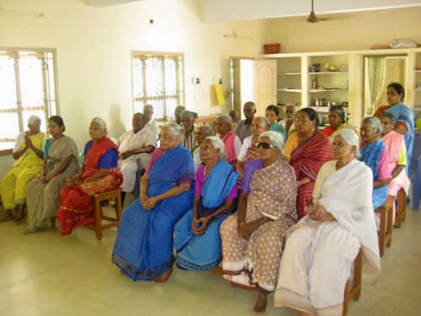 HELP NEGLECTED ELDERLY PEOPLE IN TAMIL NADU
