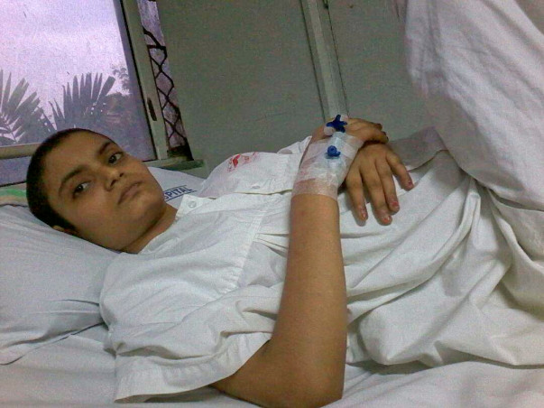 Komal Needs 4 Lakhs To Live A Cancer Free Life- Support Her!