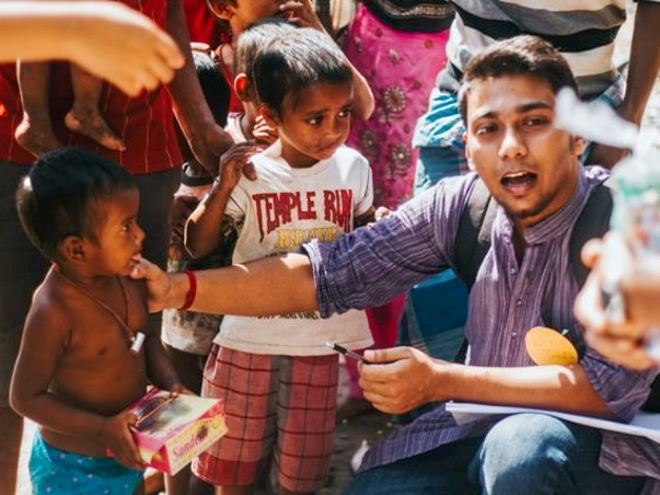 Little Treats: To help the children living on roads in Kolkata