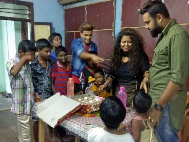 Help Yasminee to provide food & shelter to the poor people