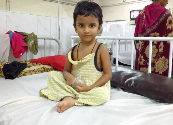 Help Yazhini shri, the only hope of her mother fight blood cancer