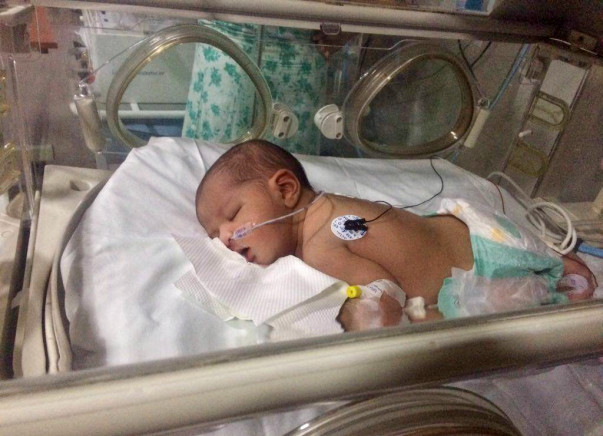 Save This Newborn Who Was Found Abandoned On The Road In Bengaluru