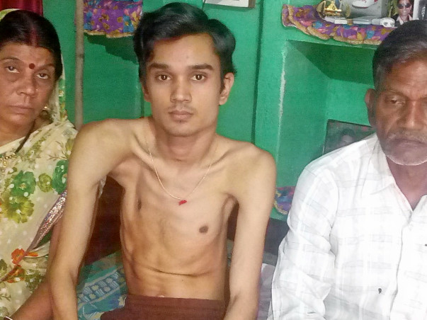 Help Sandeep to fight disability so that it can walk with his feet