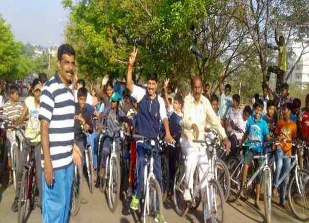 Nandi Hillathon: Support cycling and Road Safety, Sanjaynagar