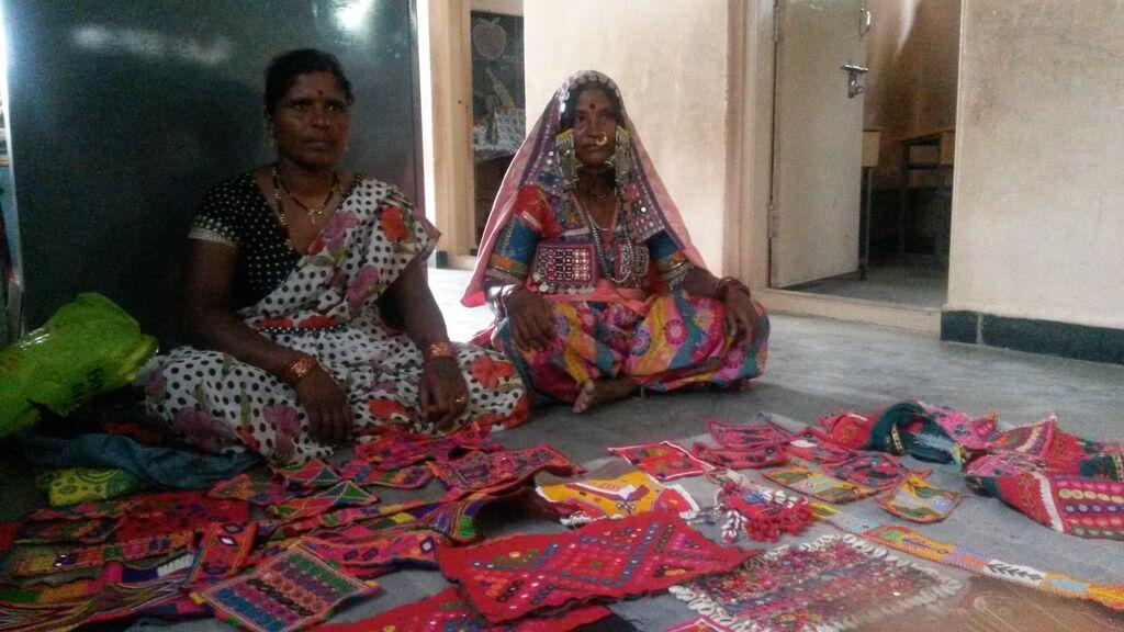 This is Sharu Bai and Makhna Bai from Torvi Village near Bijapur
