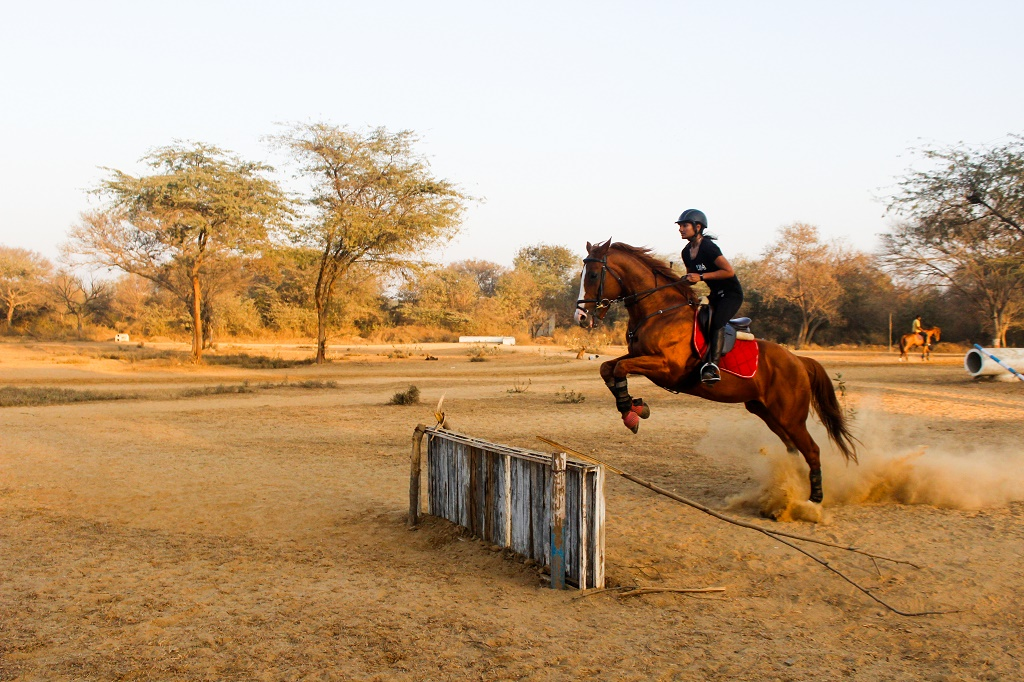 Sthavi Asthana jumping the horse